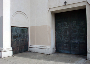 0809_Walk_Doorways
